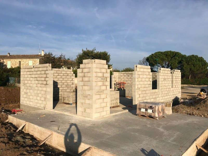 Elévation des murs sur un chantier à Cléon d'Andran